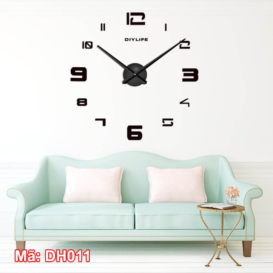 Đồng hồ dán tường số ma trận