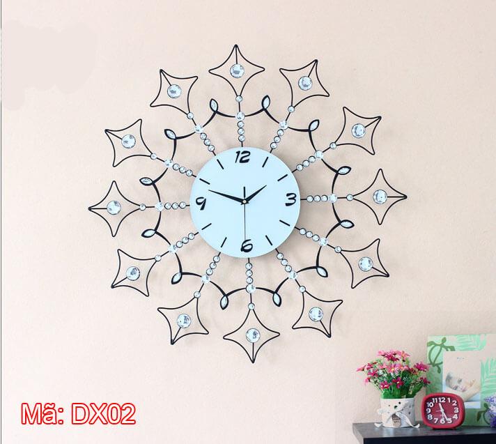 đồng hồ treo tường pha lê