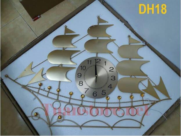 Ảnh thật Đồng hồ thuyền buồm mã DX18 - Màu vàng