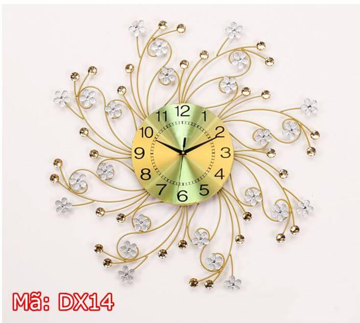 Đồng hồ trang trí hoa mai trắng
