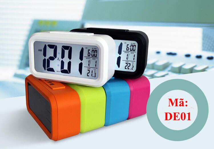 Đồng hồ DE01 có nhiều chức năng