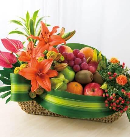 Giỏ hoa quả Tết biếu bố mẹ chồng